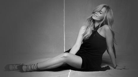 Lara Fabian superbe en couverture de son nouvel album